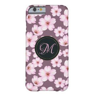 Capa Barely There Para iPhone 6 Teste padrão roxo retro floral.  Monograma