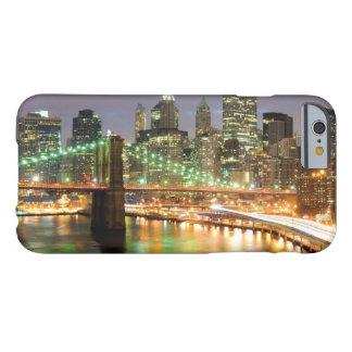 Capa Barely There Para iPhone 6 Vista do Lower Manhattan e da ponte de Brooklyn