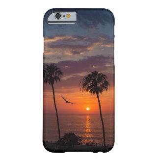 Capa Barely There Para iPhone 6 Voe no por do sol