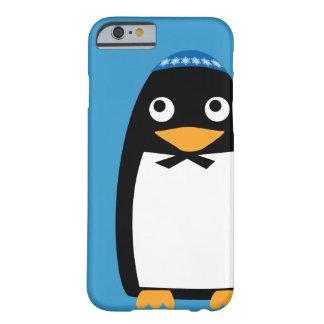 Capa Barely There Para iPhone 6 Yarmulke judaico feliz do pinguim de Hanukkah