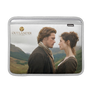 Capa De MacBook Air Outlander | Jamie & Claire frente a frente