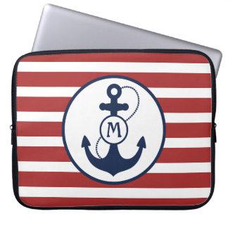 Capa De Notebook Listras vermelhas com âncora e monograma náuticos