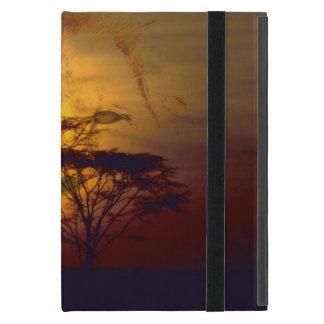 Capa iPad Mini Leão que olha sobre o por do sol africano