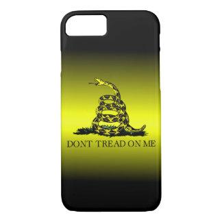 Capa iPhone 8/7 A bandeira de Gadsden amarela e preta desvanece-se