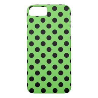 Capa iPhone 8/7 Bolinhas pretas no verde limão
