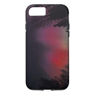 Capa iPhone 8/7 NA, EUA, Alaska, Fairbanks. Cortinas do roxo,