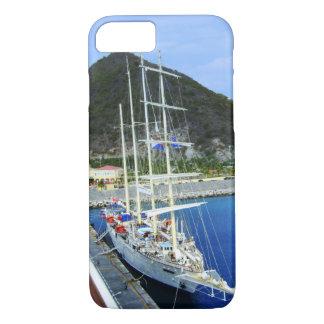 Capa iPhone 8/7 Navio das caraíbas alto amarrado ao cais