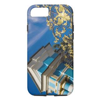 Capa iPhone 8/7 Rússia, Pushkin. Detalhe da porta e torre de apoio
