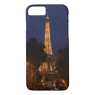 Capa iPhone 8/7 Torre Eiffel em a noite no exemplo de Paris