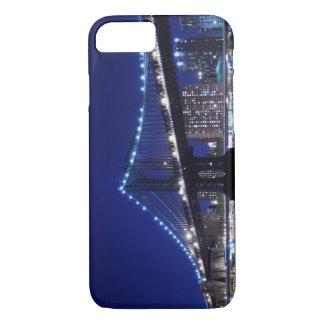 Capa iPhone 8/7 Und de Manhattanbrücke - nachts da skyline