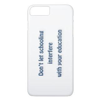 Capa iPhone 8 Plus/7 Plus Citações de Mark Twain - não deixe a educação a