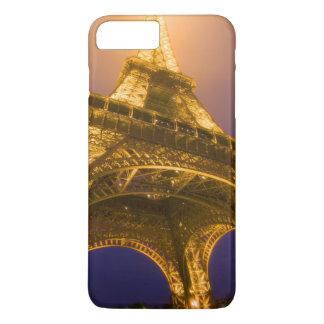 Capa iPhone 8 Plus/7 Plus France, Paris. Vista acima da base de Eiffel