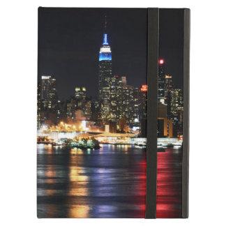 Capa Para iPad Air Luzes bonitas da noite de New York que refletem o