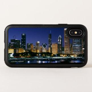 Capa Para iPhone X OtterBox Symmetry Skyline de Chicago do centro na noite