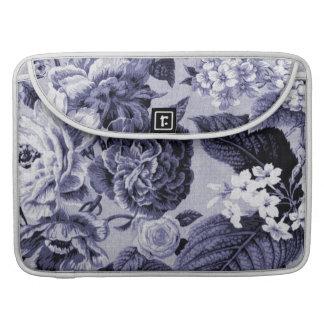 Capa Para MacBook Pro Vintage roxo azul Toile floral No.1 do Mulberry
