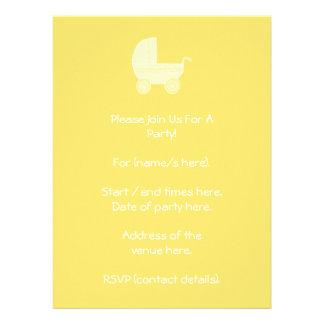 Carrinho de criança de bebê amarelo convite