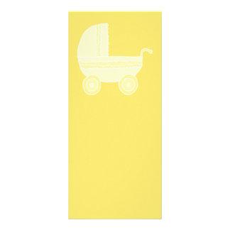Carrinho de criança de bebê amarelo modelo de panfleto informativo