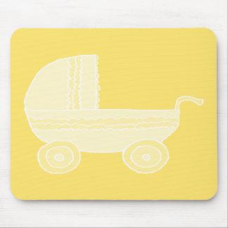 Carrinho de criança de bebê amarelo mouse pad