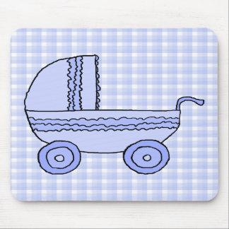 Carrinho de criança de bebê. Luz - azul no teste p Mouse Pads