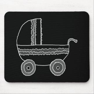 Carrinho de criança de bebê preto e branco mousepad