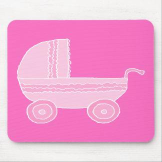 Carrinho de criança de bebê. Rosa cor-de-rosa e br Mouse Pads