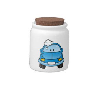 Carro azul com bolhas jarro de doce