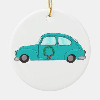 carro azul com grinalda do Natal Ornamento De Cerâmica Redondo