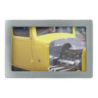 Carro clássico amarelo