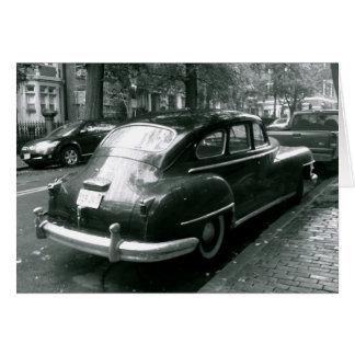 Carro clássico no cartão de nota da foto de Beacon