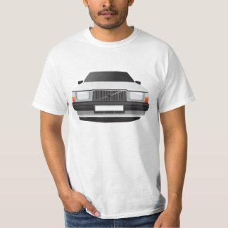 Carro de família sueco do anos 80, tshirt branco