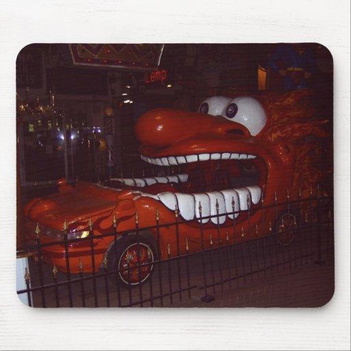Carro engraçado mouse pads