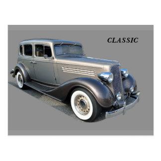 Carro vintage restaurado cartão postal