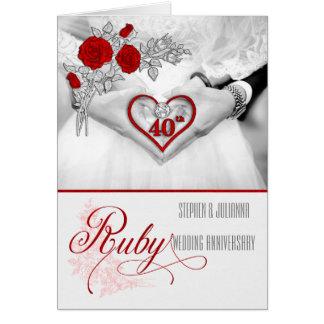 Cartão 40th Coração do vermelho do aniversário de