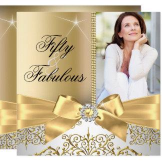 Cartão 50 & aniversário do arco fabuloso da prata do ouro