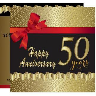 Cartão 50th aniversário dourado feliz do coração