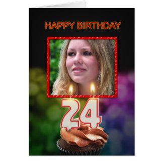 Cartão 66th Aniversário com bolo e velas