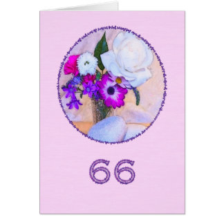 Cartão 66th aniversário feliz com uma pintura da flor