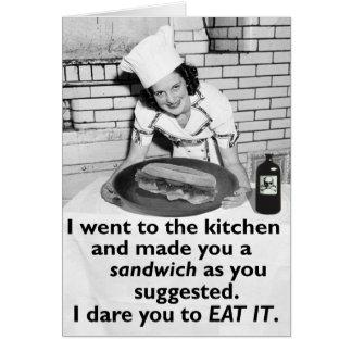 Cartão A feminista engraçada faz-me um sanduíche