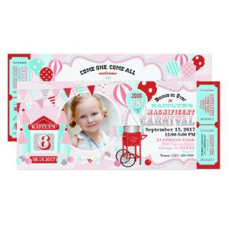 Cartão Aniversário cor-de-rosa do carnaval da casa do