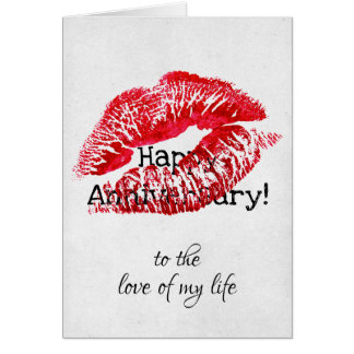 Cartão aniversário vermelho do beijo do batom