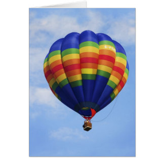 Cartão Ar quente do arco-íris que Ballooning o