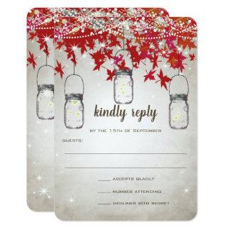 Cartão Árvore vermelha e de prata do frasco de pedreiro
