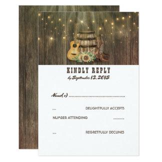 Cartão Botas de vaqueiro rústicas do país que Wedding