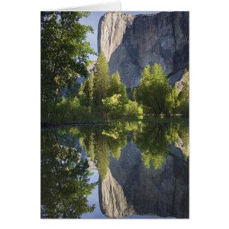 Cartão CA, Yosemite NP, EL Capitan refletiu em Merced