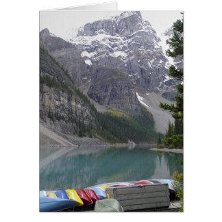 Cartão Canoas no lago Morraine