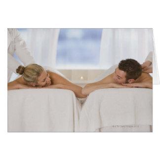 Cartão Casal que obtem massagens