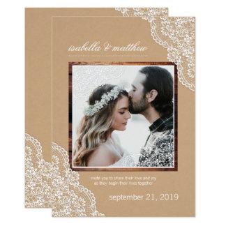 Cartão Casamento rústico da foto do laço & da madeira de
