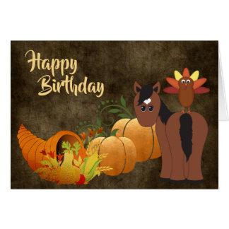 Cartão Cavalo bonito de Brown e aniversário dourado do