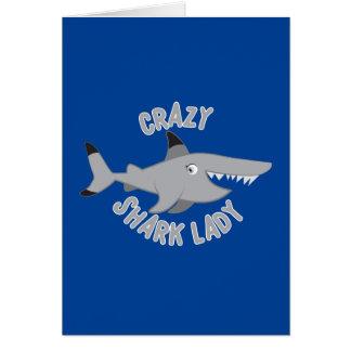 Cartão círculo louco da senhora do tubarão