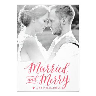 Cartão com fotos vermelho casado e alegre do